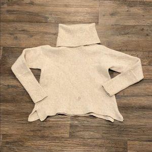 Woman's crop top
